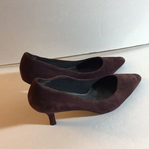 Maroon East 5th Ave Pointed toe heels